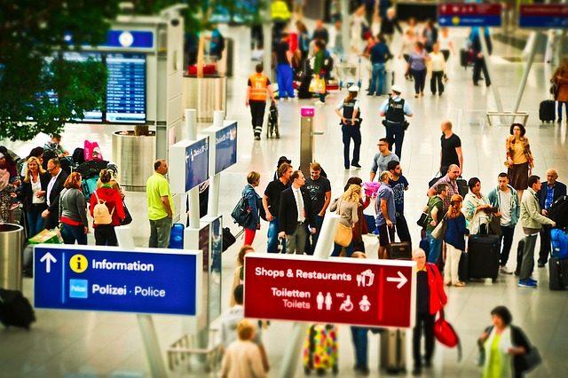 О правах авиапассажиров в случае задержки авиарейсов